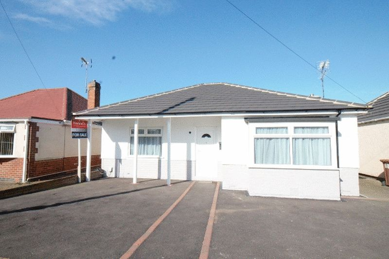 2 Bedrooms Detached Bungalow for sale in FIELD LANE, ALVASTON