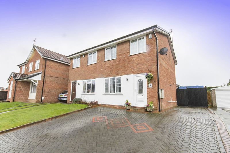 2 Bedrooms Semi Detached House for sale in Blandford Close, Derby