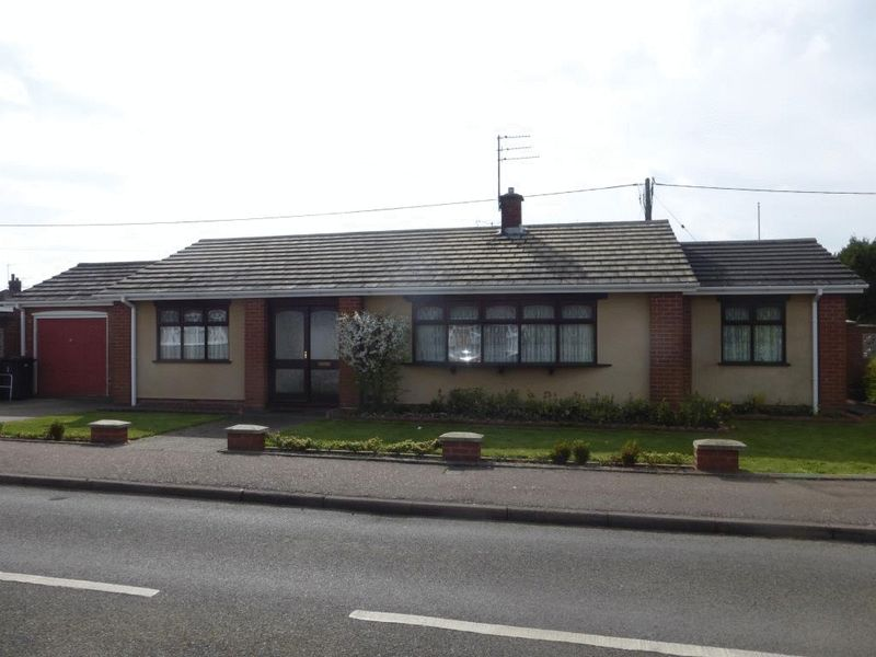 2 Bedrooms Detached Bungalow for sale in Bradwell