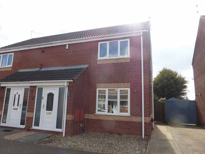 3 Bedrooms Semi Detached House for sale in Bradwell