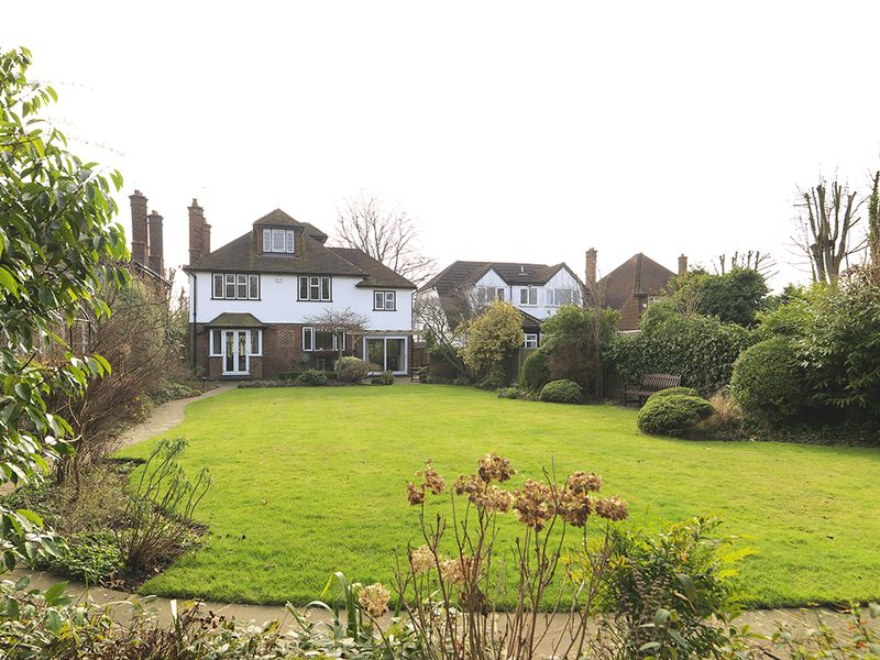 4 Bedrooms Detached House for sale in Embercourt Road, Thames Ditton, KT7