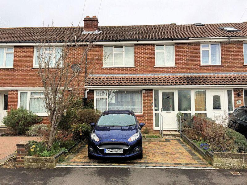 3 Bedrooms Terraced House for sale in Oak Road, Fareham