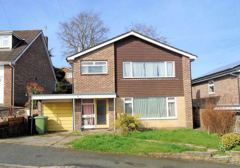 3 Bedrooms Detached House for sale in West Downs Close, Fareham