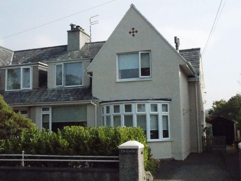 Caernarfon Road, Criccieth, LL52