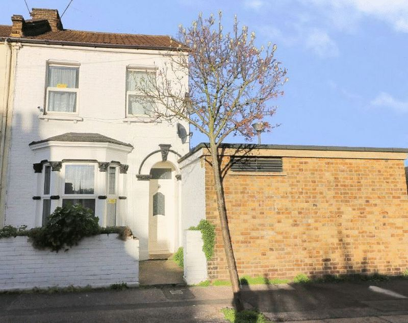 4 Bedrooms Terraced House for sale in Matcham Road, Leyton, London, E11 3LF