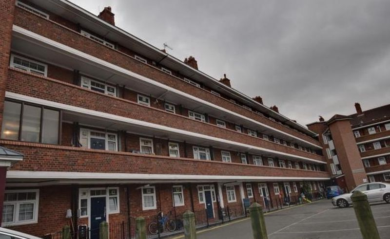 3 Bedrooms Flat for sale in Teale Street, E2 9AE