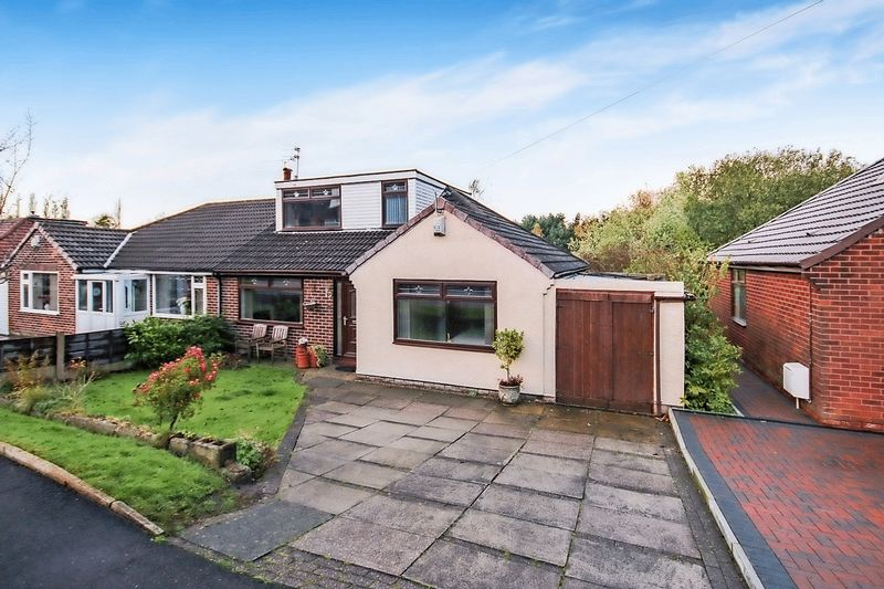 4 Bedrooms Semi Detached Bungalow for sale in Valley New Road, Royton