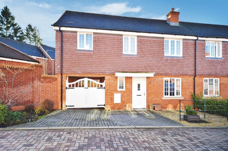 4 Bedrooms Semi Detached House for sale in Wendover