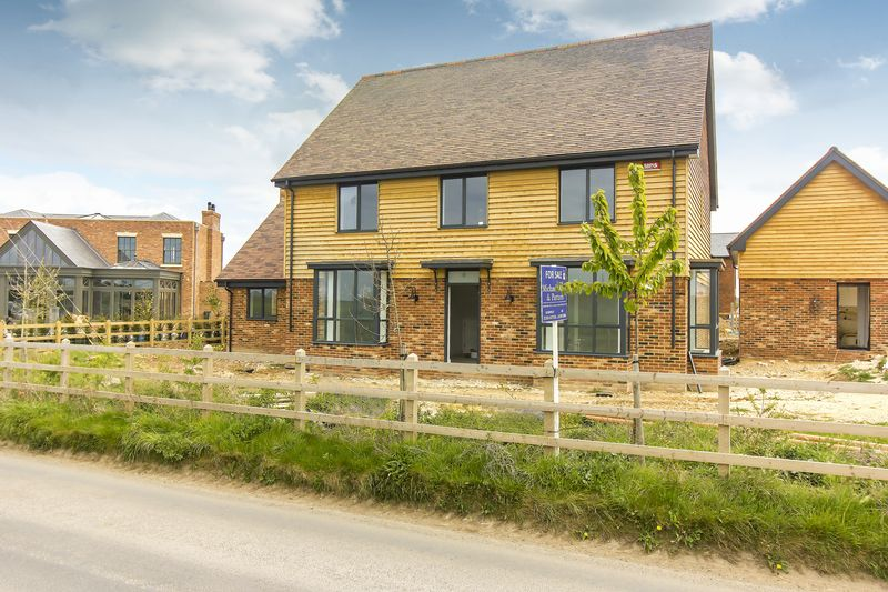 4 Bedrooms Detached House for sale in Hammill Road, Woodnesborough