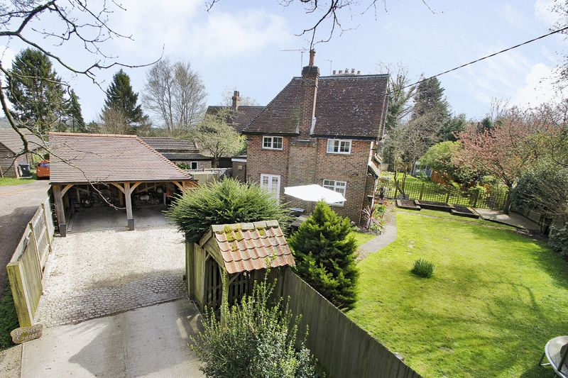 3 Bedrooms House for sale in East Street, Turners Hill, West Sussex