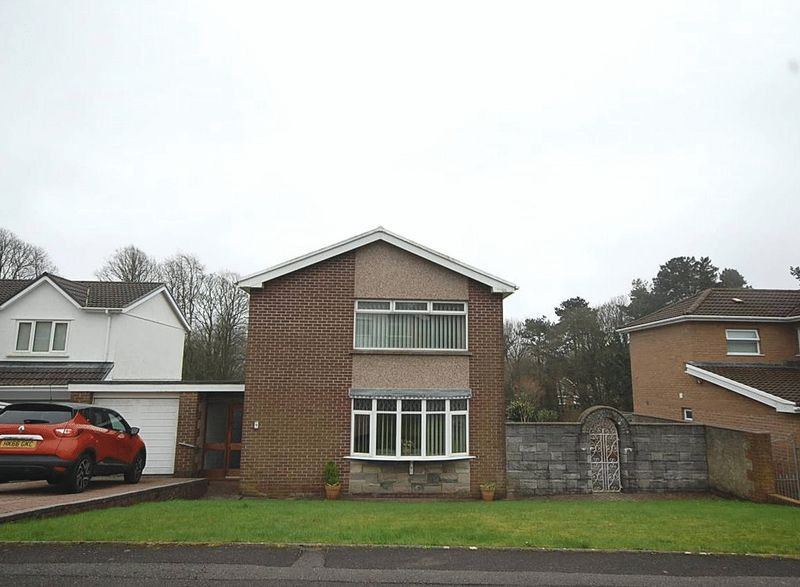 3 Bedrooms Detached House for sale in 9 Stanley Place, Cadoxton, Neath, SA10 8BE