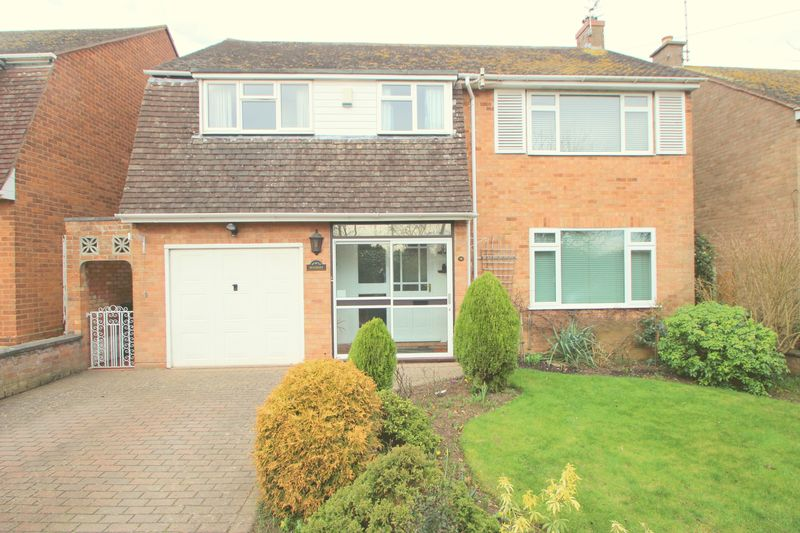 4 Bedrooms Detached House for sale in Bordon Hill, Stratford-Upon-Avon