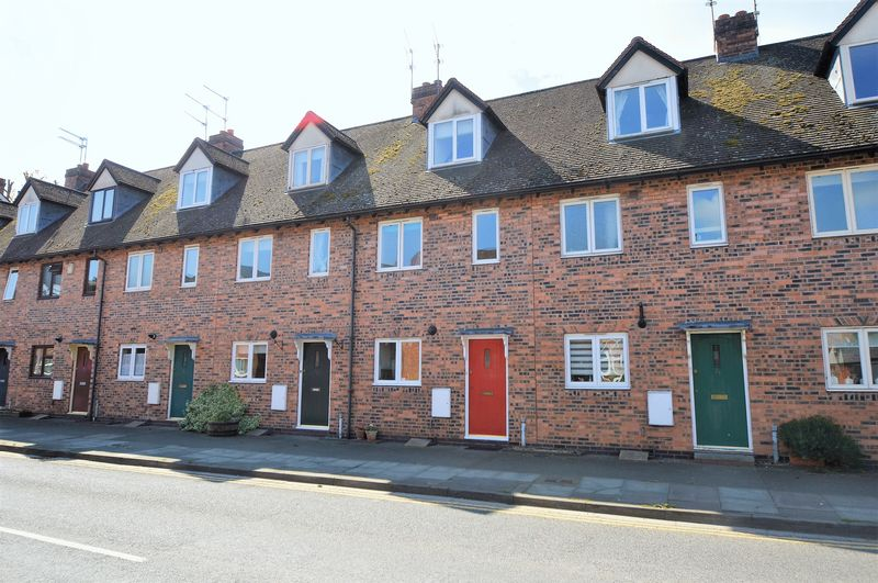 3 Bedrooms Terraced House for sale in Stratford Road, Alcester