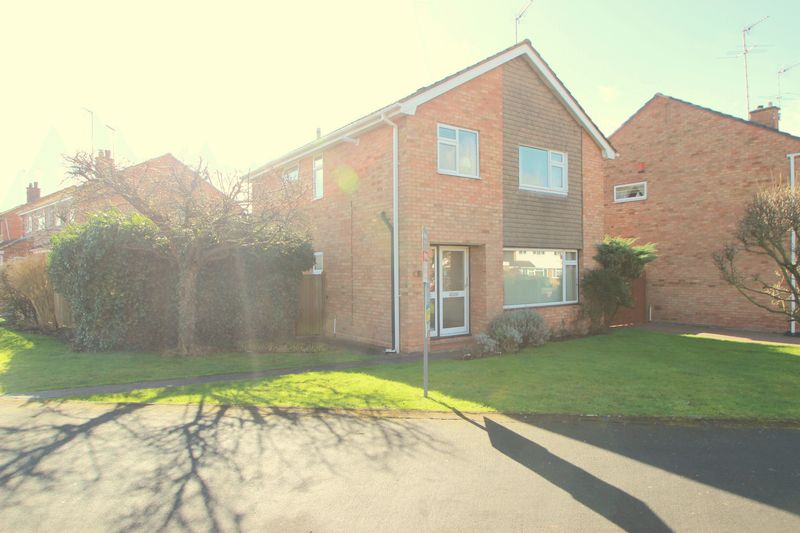 4 Bedrooms Detached House for sale in Alne Bank Road, Alcester