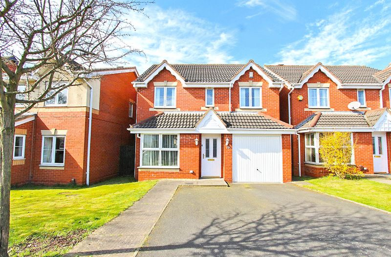 4 Bedrooms Detached House for sale in Wood Lane, Pelsall Walsall