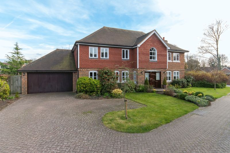 5 Bedrooms Detached House for sale in St Georges Place, Sandwich
