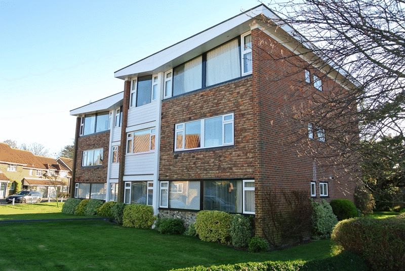 2 Bedrooms Flat for sale in Whitefriars Meadow, Sandwich