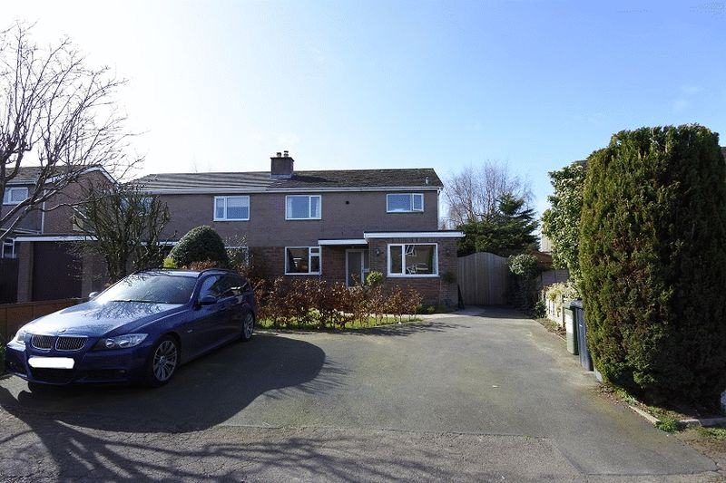4 Bedrooms Semi Detached House for sale in Westhaven, Thursby