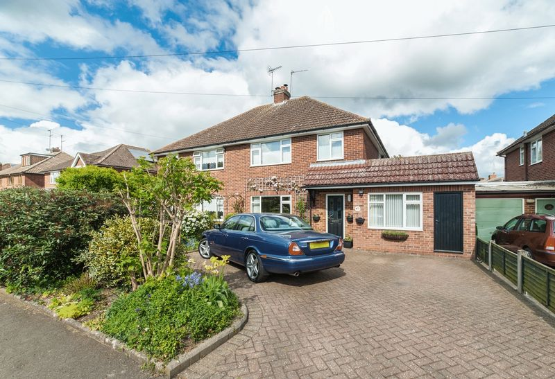 3 Bedrooms Semi Detached House for sale in Mansdale Road, Redbourn