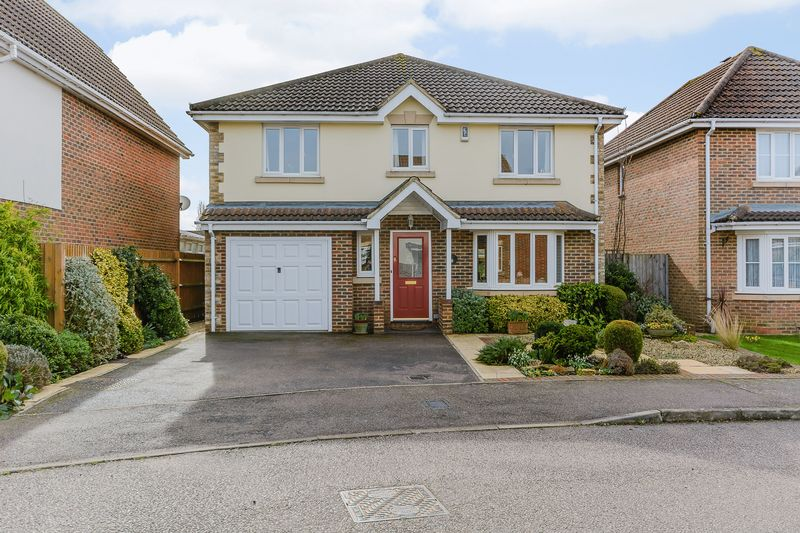 4 Bedrooms Detached House for sale in Silk Mill Road, Redbourn