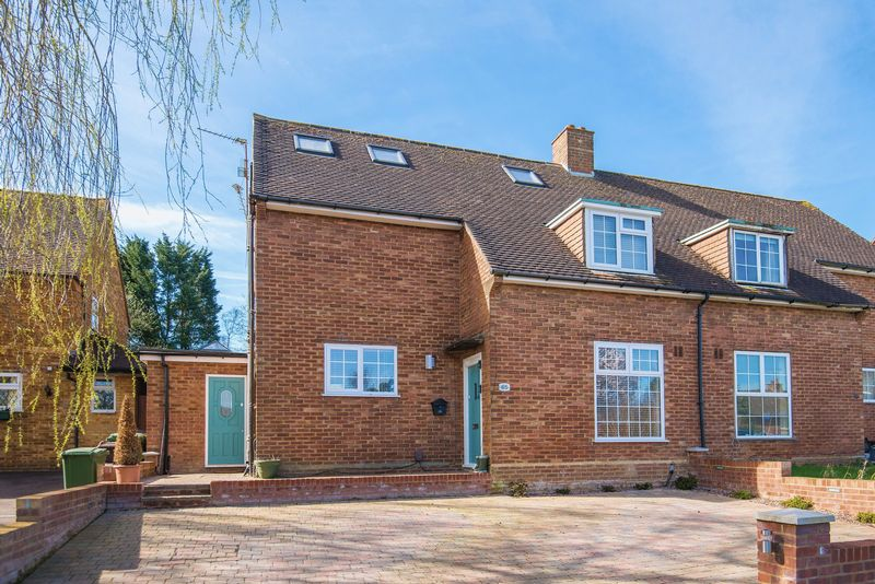 5 Bedrooms Semi Detached House for sale in Tassell Hall, Redbourn