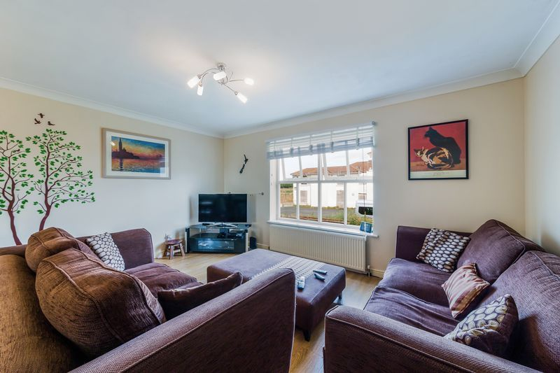 3 Bedrooms Terraced House for sale in Turle Road, Norbury, London