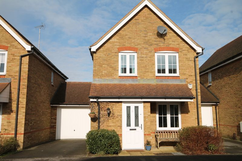 3 Bedrooms House for sale in Chestnut Drive, Hassocks, West Sussex,