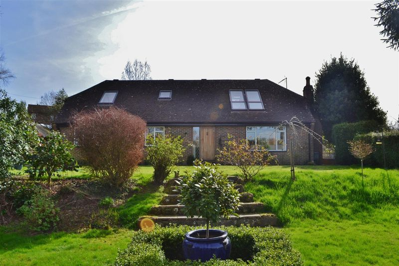 5 Bedrooms Detached House for sale in Baxters Lane, Chelwood Gate
