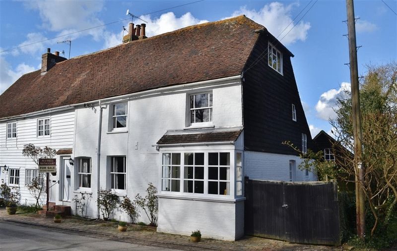 4 Bedrooms House for sale in Church Street, Hartfield