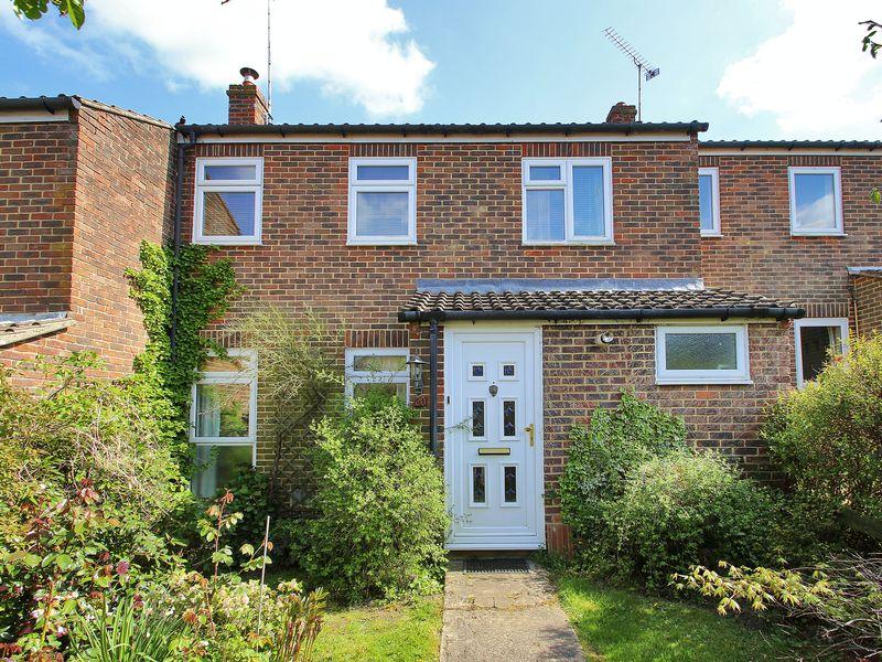 3 Bedrooms Terraced House for sale in Motte Field, Hartfield