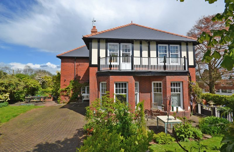 5 Bedrooms Detached House for sale in Outstanding Period Family House, Fields Park Road, Newport
