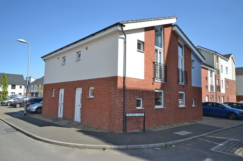 1 Bedroom Terraced House for sale in Stylish Modern House, Alicia Crescent, Newport