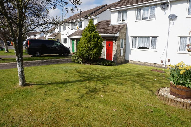 3 Bedrooms Semi Detached House for sale in Highfield Gardens, Bristol