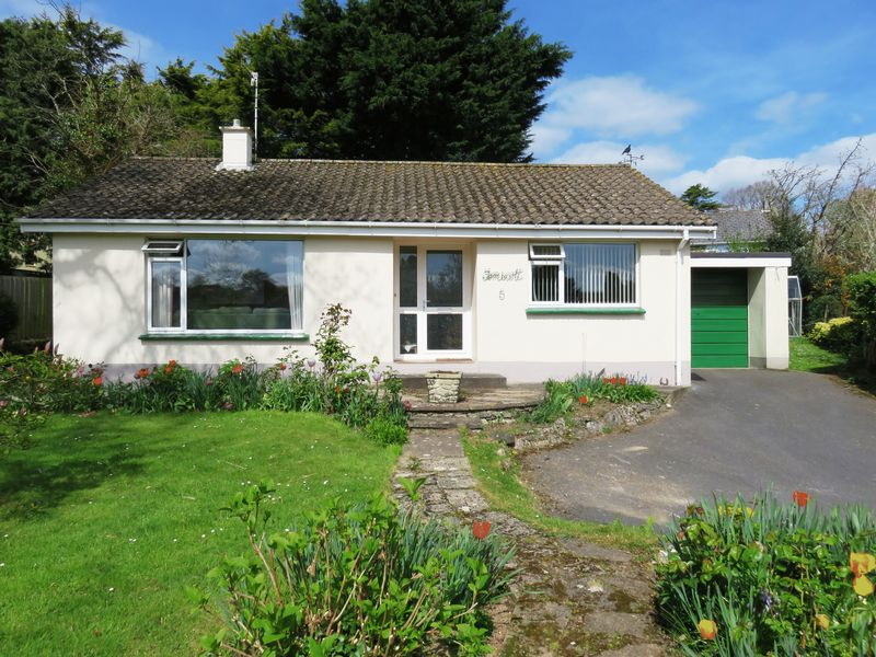 2 Bedrooms Detached Bungalow for sale in St Bernards Close, Buckfast