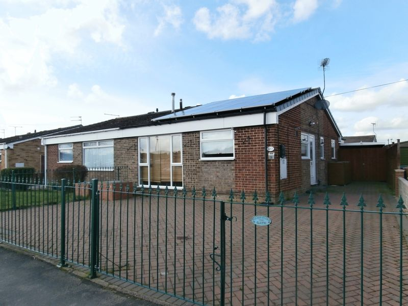 3 Bedrooms Semi Detached Bungalow for sale in Inmans Road, Hedon