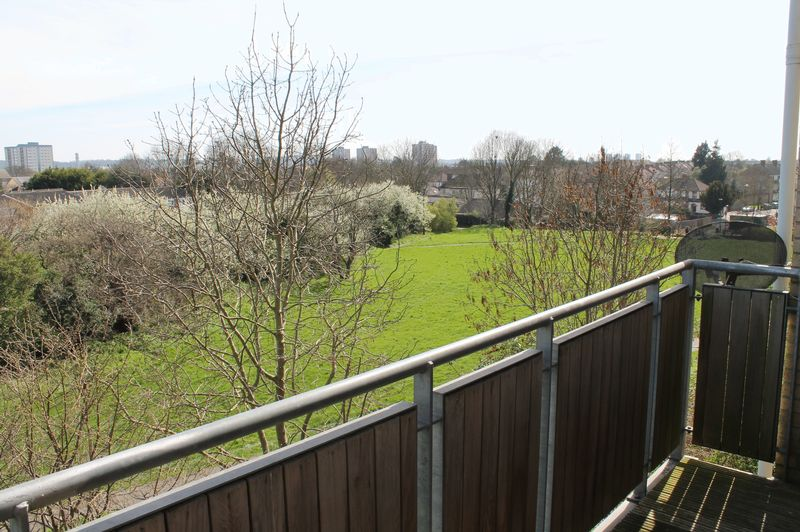 1 Bedroom Flat for sale in Pipit Court, Teal Close, Enfield