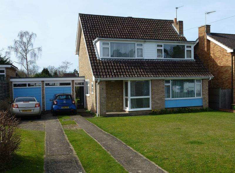 4 Bedrooms Detached House for sale in FETCHAM - 4 BED FAMILY HOME IN LARGE SOUTH WEST BACKING PLOT
