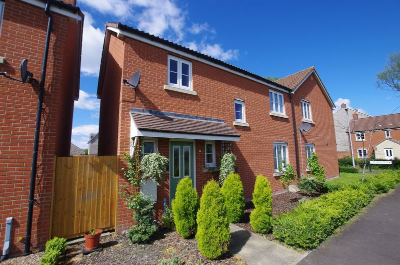3 Bedrooms Semi Detached House for sale in WEST WICK