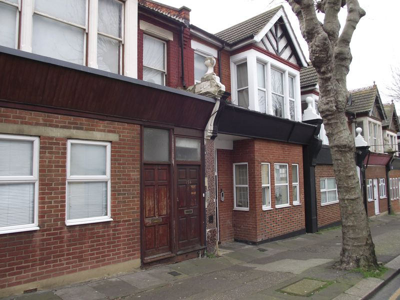 Flat for sale in Station Road, Westcliff-On-Sea