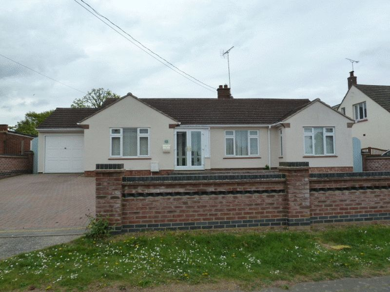 3 Bedrooms Detached Bungalow for sale in Broomhills Road, West Mersea