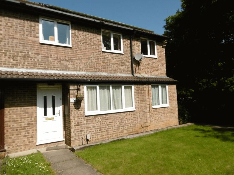 3 Bedrooms Terraced House for sale in Wear Road, Bicester