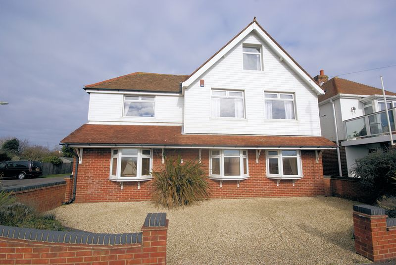 5 Bedrooms Detached House for sale in Portsmouth Road, Lee-On-The-Solent