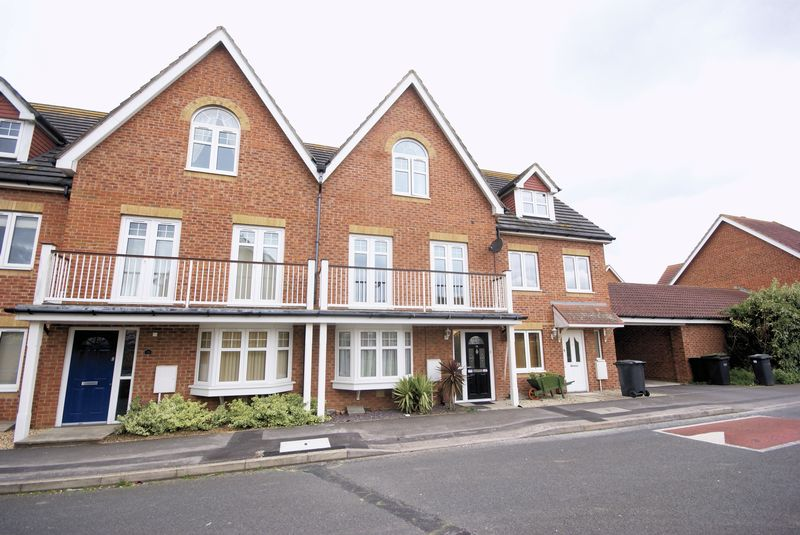 4 Bedrooms Terraced House for sale in Westland Drive, Lee-On-The-Solent