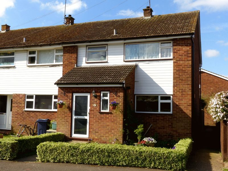 3 Bedrooms House for sale in Wooburn Green-St Paul's school catchment
