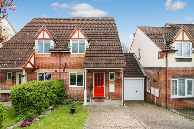 2 Bedrooms Terraced House for sale in Aismunderby Close, Ripon