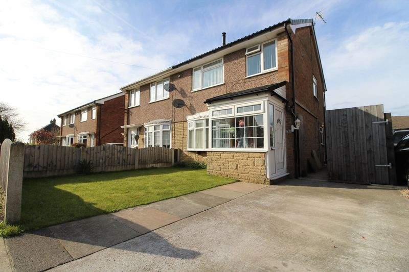 4 Bedrooms Semi Detached House for sale in Langdale Avenue, Hesketh Bank, Preston