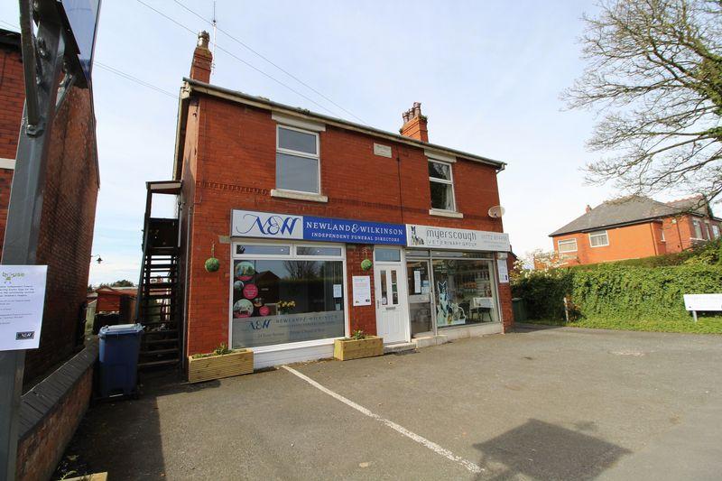 2 Bedrooms Flat for sale in Hesketh Lane, Tarleton, Preston