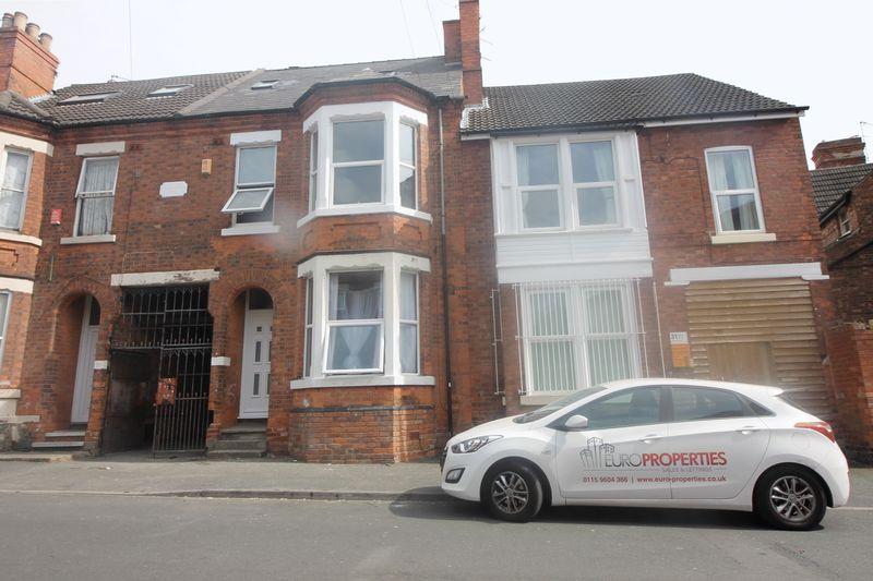 4 Bedrooms Terraced House for rent in Cedar Road, Nottingham
