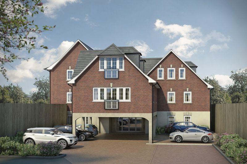 2 Bedrooms Flat for sale in Station Road, Buckhurst Hill