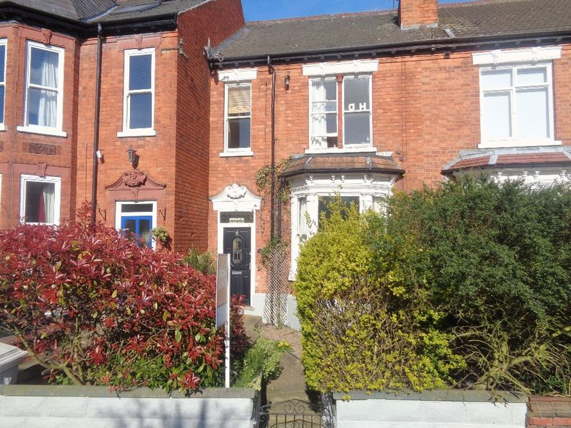 4 Bedrooms Terraced House for sale in Albert Crescent, Lincoln